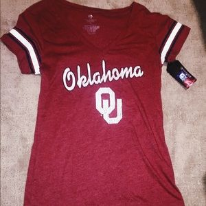 Tops - Oklahoma University Short Sleeve T-Shirt❤️